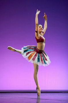 Suvi Honkanen in a variation from Le Corsaire. Photo by Sakari Viika.