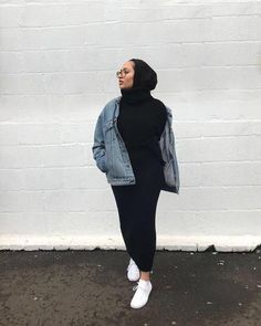 mode hijab - black in black Modest Fashion Hijab, Modern Hijab Fashion, Muslim Women Fashion, Street Hijab Fashion, Casual Hijab Outfit, Hijab Fashion Inspiration, Mode Inspiration, Casual Outfits, Fashion Outfits