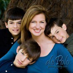 Google Image Result for http://depolophotography.com/portraits-blog/wp-content/uploads/2010/04/Kristen-and-the-boys3-10-e1270193294782.jpg