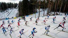 Gleichschritt beim Massenstart: Langläuferinnen bei der nordischen Ski-WM in Lahti