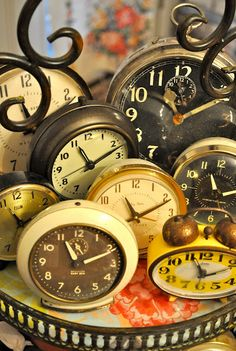 Tick Tock vintage alarm clocks and pocket watches. How time marches on but we can never forget the manuel alarm clock. Vintage Alarm Clocks, Antique Clocks, Antique Decor, Tick Tock Clock, Photo Deco, Father Time, Cool Clocks, Time Stood Still, Time Clock