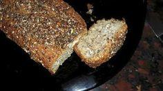 Pan esponjoso 4 cucharadas de salvado de avena. 2 cucharadasde salvado de trigo. 1 cucharada de harina de lino. 2 cucharadas de semillas chia.1 cucharadade polvo de hornear.2 sobres de edulcorante.2 huevos.4 cucharadas de queso y un chorro de leche.  Mezclamos y al horno... súper esponjoso.... es salado! Compartido x Vanesa Cuatrim