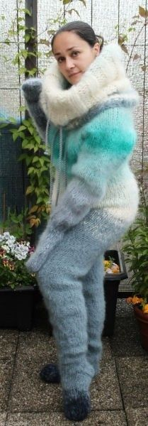 Mohair Sweater, Wool Sweaters, Turtleneck, Sweater Outfits, Fall Outfits, Gros Pull Mohair, Angora, Winter Beauty, Catsuit
