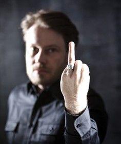 AGAINST FORCED LOVE  Pienelle tytölle hääpäivä ei ole maailman onnellisin päivä. Näytä se nimettömässäsi ja hanki sormus lapsiavioliittoja vastaan.  http://www.plan.fi/planshop/tuote/against-forced-love-sormus