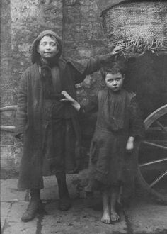 Image of Spitalfields Nippers by Horace Warner (c.1900)