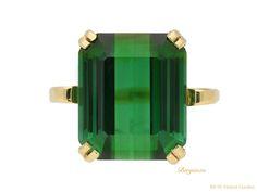 Vintage green tourmaline ring, English, circa 1940.