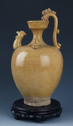 A FINE BROWN COLOR OLD PORCELAIN WATER JAR Liao Dynasty, H:13.00 in