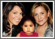 Sofia Robbins Sloan Torres, Arizona Robbins and Callie Torres (Jessica Capshaw & Sara Ramirez) Greys Anatomy Callie, Greys Anatomy Cast, Callie Torres, Greys Anatomy Characters, Grey's Anatomy Tv Show, Jessica Capshaw, Arizona Robbins, Hollywood Music, First Boyfriend