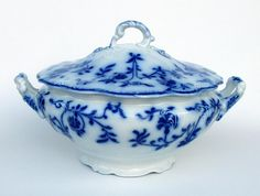 """""""Colonial"""" Flow Blue china tureen by J & G Meakin, Hanley, Staffordshire, England c. 1895."""