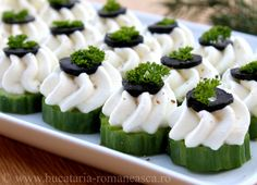 Mini Appetizers, Cheese Appetizers, Appetizer Recipes, Amazing Food Decoration, Tapas, Pita, Snacks Für Party, Food Platters, Mini Foods