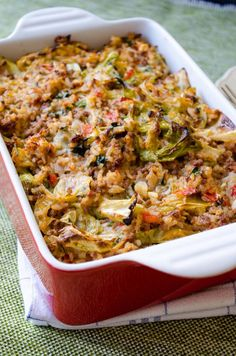 Unstuffed Cabbage Casserole is a lazy mom's recipe. It doesn't take even the half time of stuffed cabbage rolls but it is as scrumptious. You won't bother making cabbage rolls any more once you try this recipe. Beef Recipes, Cooking Recipes, Healthy Recipes, One Pot Meals, Main Meals, Casserole Dishes, Casserole Recipes, Casserole Pan, Low Calorie Casserole