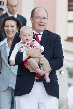 MyRoyals:  Princely Family of Monaco attend Pique Nique Monegasque, August 28, 2015-Prince Albert with Hereditary Prince Jacques (followed by Albert's cousin Elizabeth-Anne de Massy