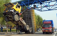 A truck, 3.5 metre in height, crashes into a 4.5 metre tall water pipeline in Lanzhou, China