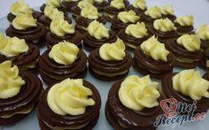 Výborné k čaji nebo kafíčku. Autor: Reny Naty A. Christmas Sweets, Christmas Baking, Baking Recipes, Cake Recipes, Czech Recipes, Low Carb Desserts, Desert Recipes, Amazing Cakes, Sweet Recipes