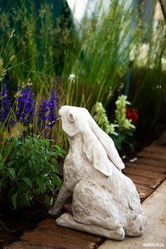 KAMERS/Makers 2016 Irene, 28 Nov - 4 Dec - www.kamers.co.za | Photo: Carike Ridout - www.carikeridout.co.za Rabbit Sculpture, Garden Sculpture, Hare, Summer 2016, Irene, Bunnies, Sculpting, Sculptures, Weaving