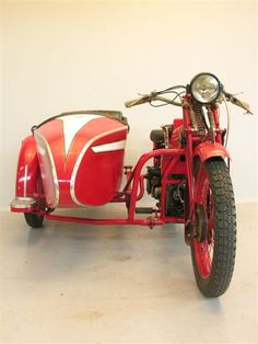 1929 Moto Guzzi Sport 14 and sidecar * Moto Guzzi Motorcycles, Cars And Motorcycles, Side Car, Antique Motorcycles, Ride 2, 3rd Wheel, Vintage Bikes, Cool Bikes, Motorbikes