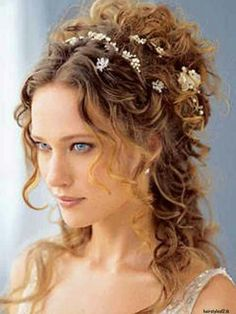 Love this medieval hairstyle