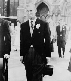 Google Image Result for http://upload.wikimedia.org/wikipedia/commons/c/cd/Canadian_Prince_Philip.jpg