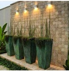 Tenha um vaso vietnamita como esse em sua casa! Aqui vasos modelo trapézio na coe verde musgo. Entre em contato conosco e faça seu orçamento! contato@mmrepresentacoes.com.br #vaso #vietnamita #vasovietnamita #flores #flor #paisagismo #jardim #varanda #paisagem #decoração #decor #áreaexterna #designdeinteriores #design #natureza #vegetação #interior #interiores