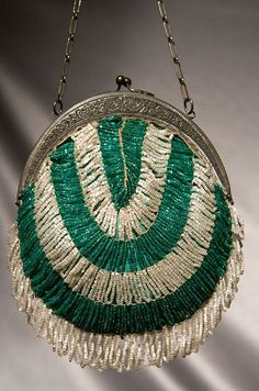 1920's glass beaded purse.