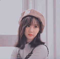 Jung Eun Bi, Role Player, G Friend, Hana, Kpop Girls, Korea, Idol, Winter Hats, Profile Pics