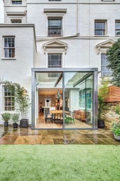 Modern Steel And Glass Rear Extension Of A Victorian Semi-Detached London Townhouse London Townhouse, London House, London City, Extension Veranda, Glass Extension, Rear Extension, Extension Ideas, Patio Interior, Interior And Exterior