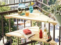Mit diesem praktischen DIY-Tisch ist Platz für Muße auf dem kleinsten Balkon. Add a bit of lounge-comfort to even the smallest balcony. #bosch #makeityourhome