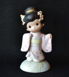 Precious Moments Our Friendship Is Always In Bloom Japanese Figure RARE  #456926
