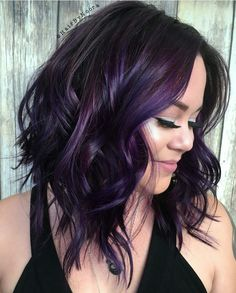15 Must Have Dark Purple Hair Colour Ideas published in TopTeny magazine Lifestyle - %%excerpt%% Looking for fresh rocking colour ideas? You should give some thought to these exciting dark purple hair shade ideas. Dark Purple Hair Color, Hair Color And Cut, Haircut And Color, Cool Hair Color, Dark Purple Highlights, Short Purple Hair, Dark Violet Hair, Purple Balayage, Short Hair Colour
