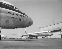 Boeing Images - Douglas DC-8 Manufacturing