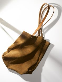 apiece apart market bag.