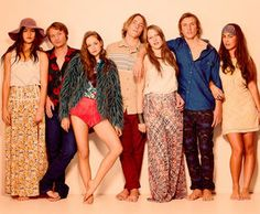 Best tv shows, puberty blues Best Tv Shows, Favorite Tv Shows, Movies And Tv Shows, Blue Fashion, 70s Fashion, Surf Fashion, Vintage Fashion, Sean Keenan, Blue Tv Show