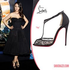 Mila Kunis in Christian Louboutin Spring 2015 Tiny Black Lace Sandals - ShoeRazzi