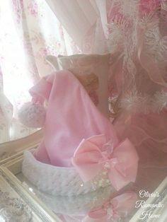 Pinkalicious Sparkly Santa Hat