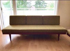 FINN – Retro sofa med teakdetaljer. Design av Ingmar Relling for Ekornes.