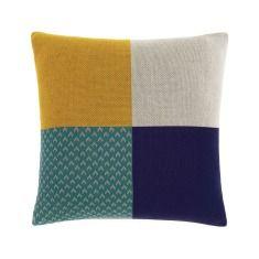 Four sqaure cushion