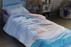AHOY blue - COVERS & CO - Literie à domicile  Eh Oh du bateau ! Un lapin sur un bateau pour accompagner les enfants épris d'aventure... Comforters, Blanket, Cover, Blue, Bedding, Adventure, Rabbits, Child Room, Children