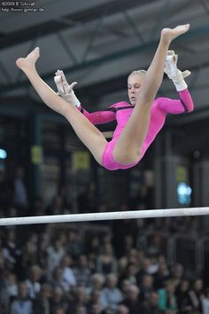 Bundesliga 2009 (Finale) Gymnastics Posters, Girls Gymnastics Leotards, Gymnastics Pictures, Sport Gymnastics, Olympic Gymnastics, Dancer Photography, Gymnastics Photography, Amazing Gymnastics, Artistic Gymnastics