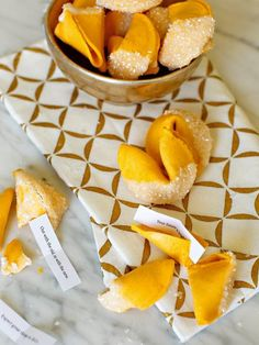 Throw a Confetti-Inspired New Year's Eve Party - Ann Aikin - Throw a Confetti-Inspired New Year's Eve Party How to Throw a Glittery New Year's Eve Party Holiday Party Themes, Holiday Parties, Ideas Party, Diy Ideas, Holiday Fun, New Years Eve Food, New Years Eve Party, New Year's Eve Appetizers, Alternative Christmas Tree