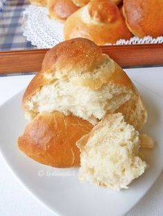 It was a long time since I was looking for the recipe for brioches that I used to eat from little to Cat . - brioche per colazione - Krapfen No Cook Desserts, Italian Desserts, Italian Dishes, Just Desserts, Delicious Desserts, Dessert Recipes, Best Italian Recipes, Favorite Recipes, Torta Recipe