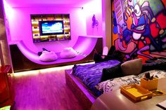 Teen girl bedroom ideas – Home Decor Designs Awesome Bedrooms, Cool Rooms, Dream Rooms, Dream Bedroom, Skateboard Room, Skateboard Parts, Purple Rooms, Pink Purple, Hot Pink