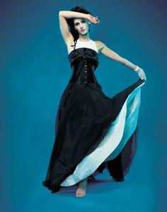 Emma Shapplin Beautiful Voice, Musical Theatre, Pretty Girls, Musicians, Ballet Skirt, Europe, Inspirational, Artists, My Style