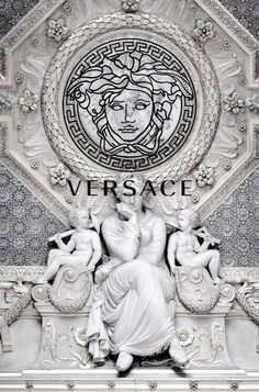 Haute couture versace fondos, versace perfume, versace chain r… Dope Wallpapers, Aesthetic Wallpapers, Screen Wallpaper, Wallpaper Backgrounds, Versace Wallpaper, Gucci Wallpaper Iphone, Black And White Photo Wall, Black White, Foto Top