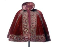 Tudor cloak dating back to 1530 (Museum of London) gorgeous