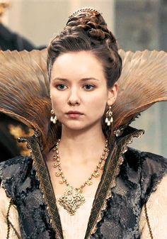 The Musketeers - Queen Anne (Alexandra Dowling)