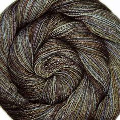 OOAK sw bfl silk yarn MYSTERIOUS LOVERBOY door lanitiumexmachina