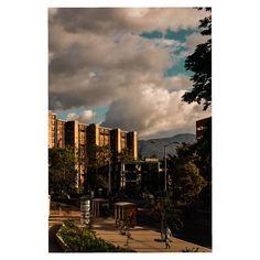 Scorpio city. #bogota #colombia #fotografia  #bogotaphotography #topcolombiaphoto #insta #photo #ovrtime #city Photo:@xx.ortiz.0