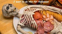 Halloween skeleton meat and cheese platter. Brett's ideas for food at the Halloween party this year were simple, but very creative in my opinion. Entree Halloween, Plat Halloween, Adornos Halloween, Halloween Goodies, Halloween Food For Party, Halloween Disfraces, Holidays Halloween, Happy Halloween, Halloween Appetizers For Adults