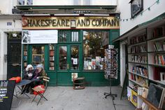 Visiting Locations From Movie Scenes in Paris: Shakespeare and Company