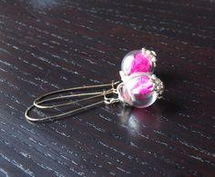 Creolen - Echte getrocknete Blüten Ohrringe Perle rosa  - ein Designerstück von Juvelato bei DaWanda